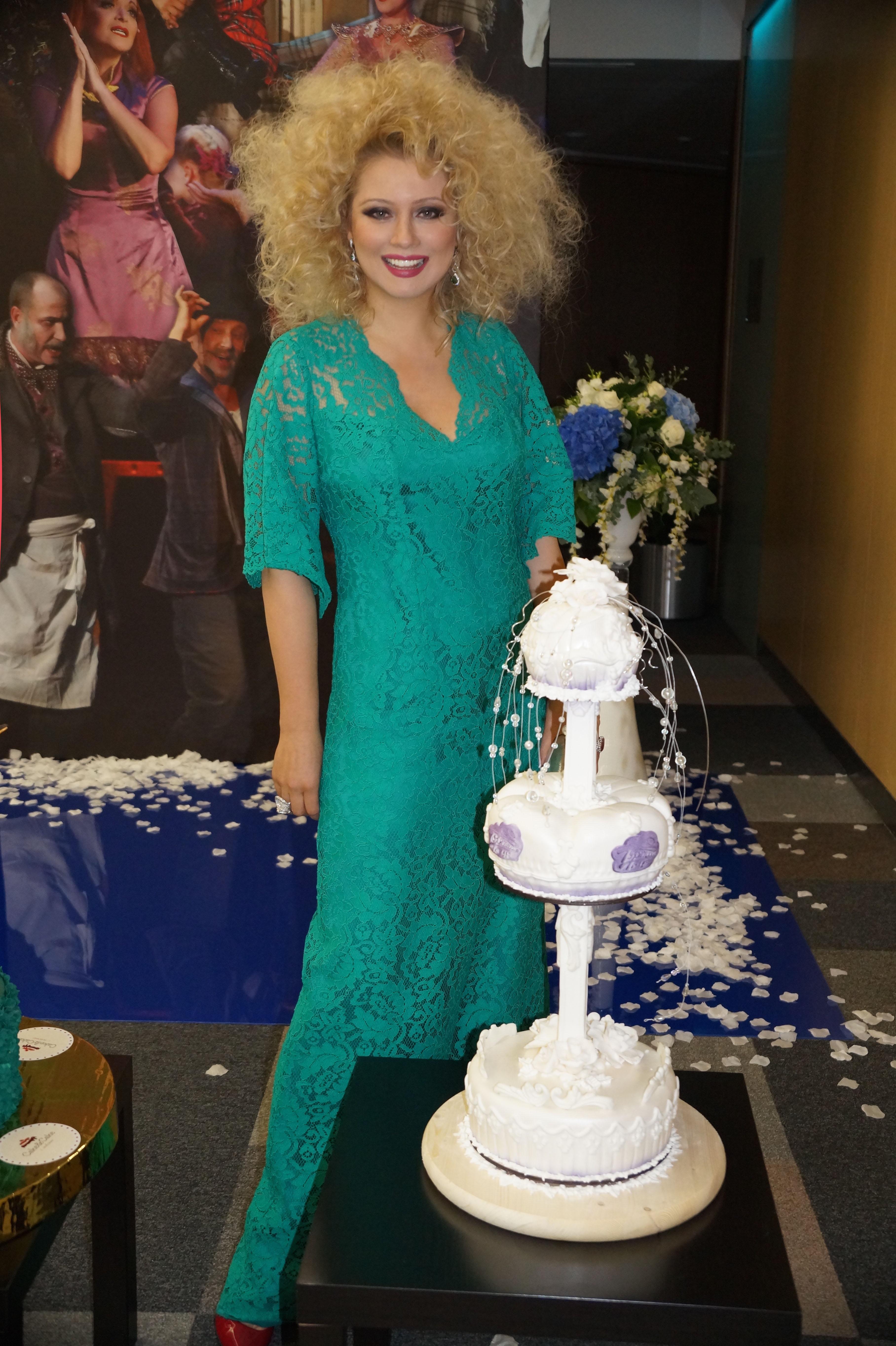 http://odry-cakes.ru/images/upload/DSC09693-.jpg